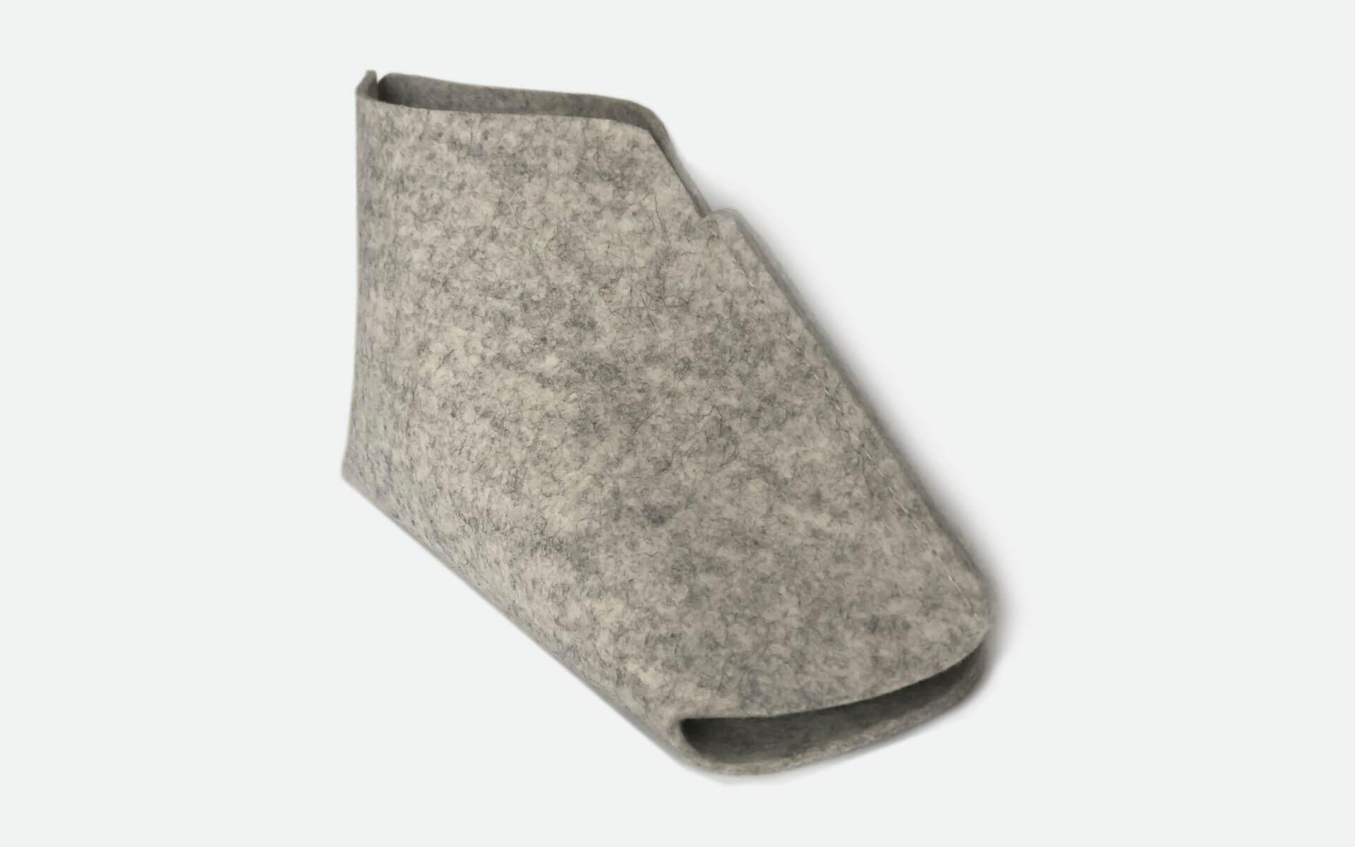 Jalatuubus – katab kogu labajala hüppeliigeseni, on otstes avatud, et tagada sobivus erinevatele jalasuurustele ning hilisem lihtne puhastatvus ja ladustamine